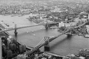 Mosty cez rieku Hudson sa stali symbolom pozliepaného New Yorku.
