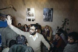 Iránci držali amerických diplomatov v zajatí 444 dní.