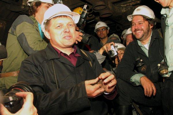 Slovenský premiér Robert Fico sfáral 1. septembra 2006 medzi handlovských baníkov.