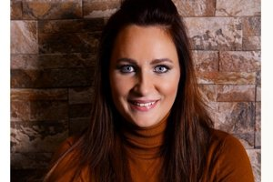 Maya Sinay je úspešnou autorkou kníh pre dospelých aj deti.