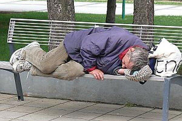 Počas zimy funguje pre obyvateľov bez strechy nad hlavou nocľaháreň.