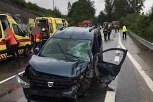 Nehoda si vyžiadala aj ťažké zranenia.