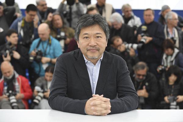 Japonský režisér HirokazuKore-eda si prebral hlavnú cenu festivalu za film Zlodeji z obchodov.