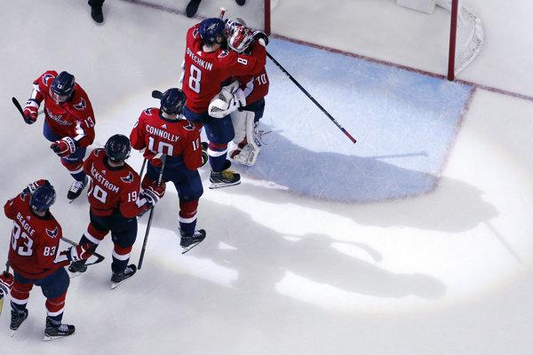 Hokejisti Washingtonu zvládli šiesty zápas finálovej série.
