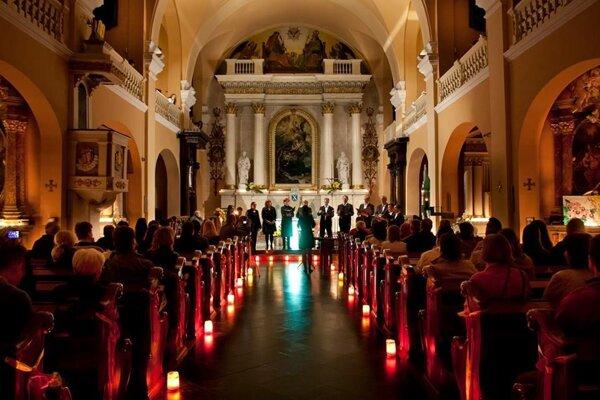 Noc kostolov potrvá tri dni a tri noci.