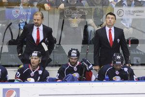 Pavol Rybár (vpravo hore) bol v minulosti trénerom brankárov v Slovane Bratislava a teraz pôsobí v Banskej Bystrici.