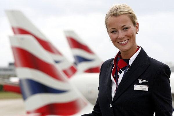 Letušky British Airways už môžu nosiť nohavice.