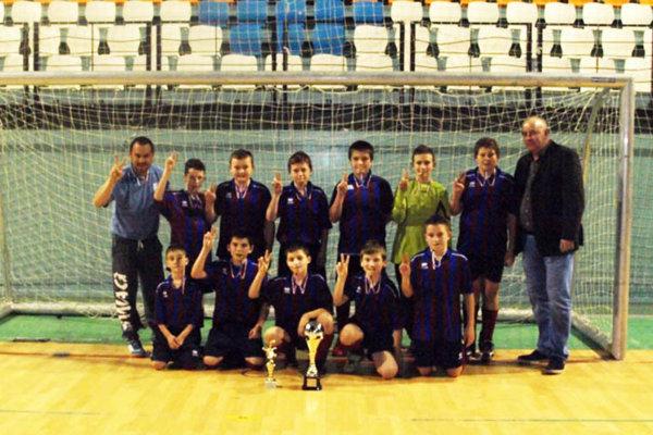 Prvenstvo z prvých dvoch ročníkov turnaja budú obhajovať mladší žiaci Čeľadíc.