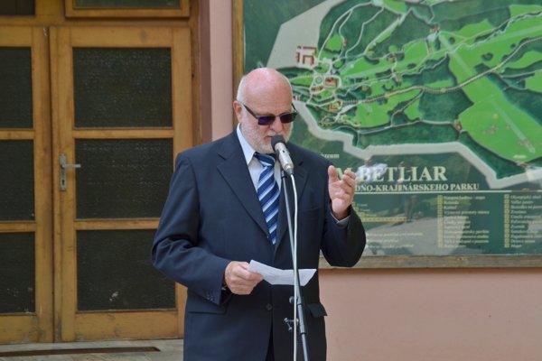 Syn Štefan Havlík ml. pri prejave.