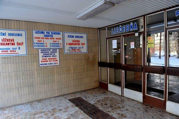 Štrnásť lekárov Fakultnej nemocnice s poliklinikou Žilina dalo výpovede.