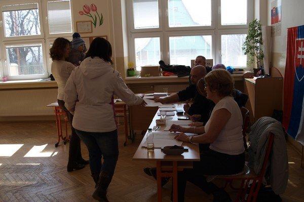 Voľby vo Varíne.