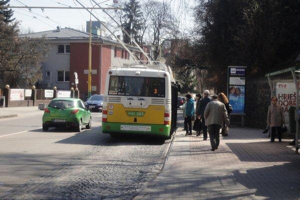 Mestská hromadná doprava.