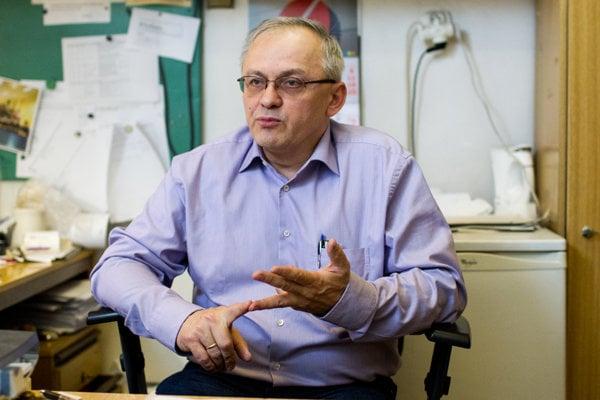 Profesor Pavol Alexy, ktorý sa podieľal na objave bioplastu už v minulosti.