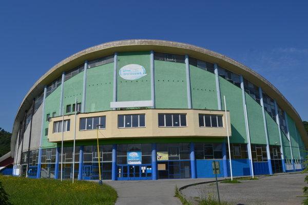 Podľa prezidenta HKM Zvolen Dušana Mráza je prešovský štadión v zúfalom stave.
