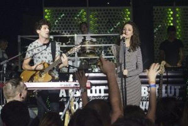 Na koncerte skupiny Puding Pani Elvisovej bolo plno. Nové skladby mali odozvu publika.