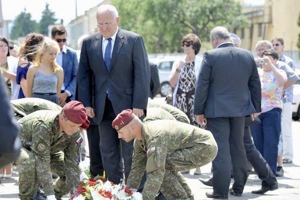 Pietnej spomienky sa zúčastnil aj minister školstva SR Dušan Čaplovič.