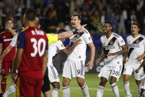 Zlatan Ibrahimovič (uprostred) hviezdil v zápase s Real Salt Lake.