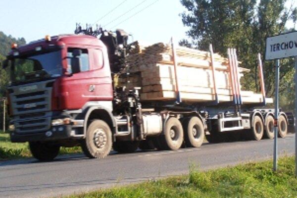 Kamióny by tu už mali byť minulosťou. Stále však v Terchovej môžete nejaké zazrieť.