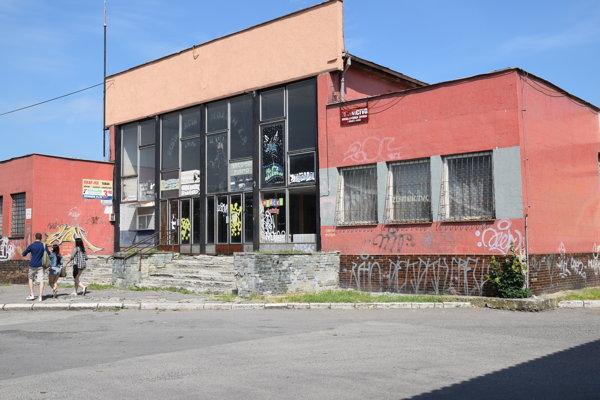 Budova autobusovej stanice.
