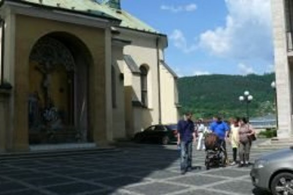 Katedrálne námestie. Bude ním priestor pred kostolom až po balustrády.