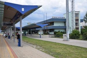 Zamedstnanci strojárskej firmy využvajú vzdialenú stanicu v Kysuckom Novom Meste.