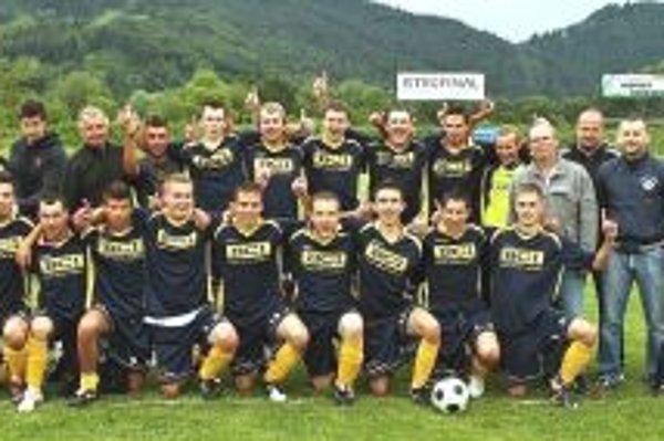 Hráči Horného Hričova sa v minulej sezóne radovali z postupu do I. triedy, v nej zatiaľ iba vyhrávajú.