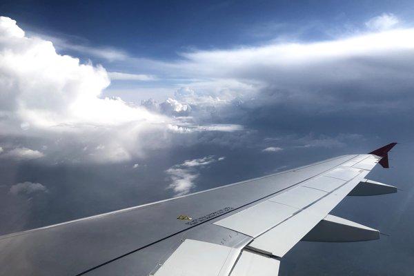 Krídlo jedného z lietadiel od Airbusu (ilustračné foto).