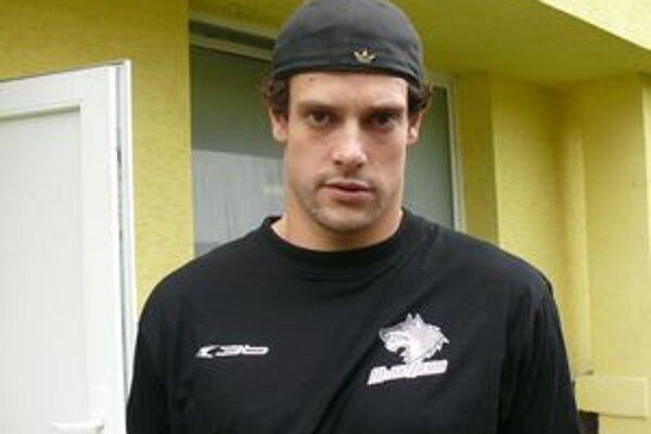 Podľa trénera je Jakob Milovanovič najlepšie korčuľujúcim bekom.