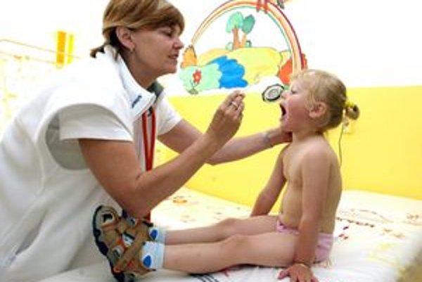 Lekárska starostlivosť o deti je nevyhnutná.