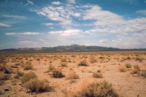 Údolie smrti patrí k najnehostinnejším miestam na svete. Teploty sa bežne pohybujú okolo 45 stupňov Celzia.