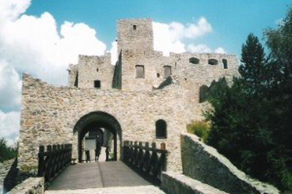 Brány hradu Strečno otvoria výnimočne aj na Valentína.