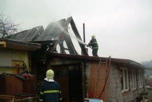 Hospodárska budova zhorela.