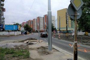 V smere od centra pribudne v úseku nový priechod pre chodcov, semafor aj nová zastávka MHD.