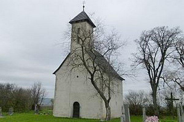 Kultúrnou pamiatkou sa stal kostolík 7. novembra 1963.