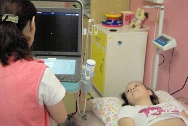Nový prístroj budú mať lekári k dispozícii na oddelení.