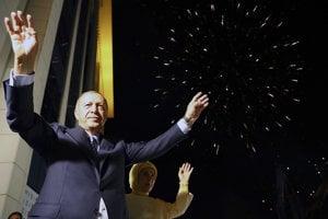 Erdogan znova vyhral prezidentské voľby.