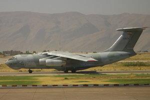 9. Iránske vojenské lietadlo Iliušin havarovalo do hornatého terénu pri Kermane v Iráne 19. februára 2003. Na palube bolo 275 členov Íránskej revolučnej gardy a posádka. Nikto neprežil. Lietadlo zrejme havarovali pre silný vietor a zhoršené počasie. Lietadlo zmizlo z radarov a krátko potom obyvatelia neďalekej dediny nahlásila hlasný výbuch.