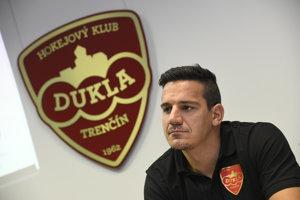 Kapitánovi tímu Brankovi Radivojevičovi sa nové logo páči.