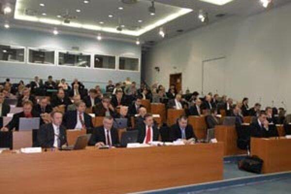 V pondelok 14. decembra si krajskí poslanci na svojom druhom zasadaní zvolia nové komisie a ich predsedov.