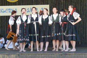 Zo slávností v Lysej pod Makytou. Ide o tradičné a obľúbené podujatie v Púchovskej doline.