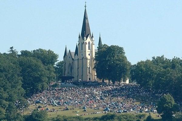 Lúka pod bazilikou sa každoročne zaplní množstvom veriacich.