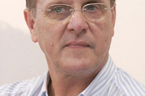 Úspešný tréner a uznávaný hokejový odborník Ján Filc na diskusii Hokejový život Žiliny.