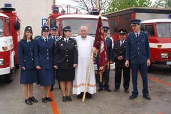 Posledné dva víkendy sa v Rajeckej Lesnej konali púte. Jednu obetovali hasiom a druhú deom.