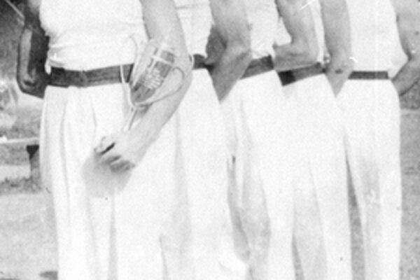 Družstvo cvičencov náraďového telocviku v roku 1942.