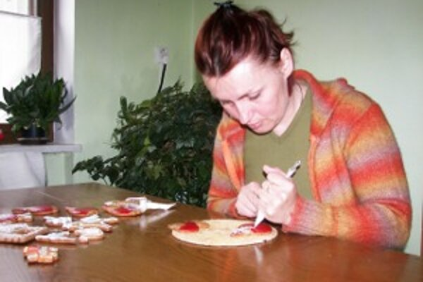 """Miriam Valicová alias """"Babka Pernikárka"""". Svoje umenie prezentuje na rôznych predvádzacích akciách."""