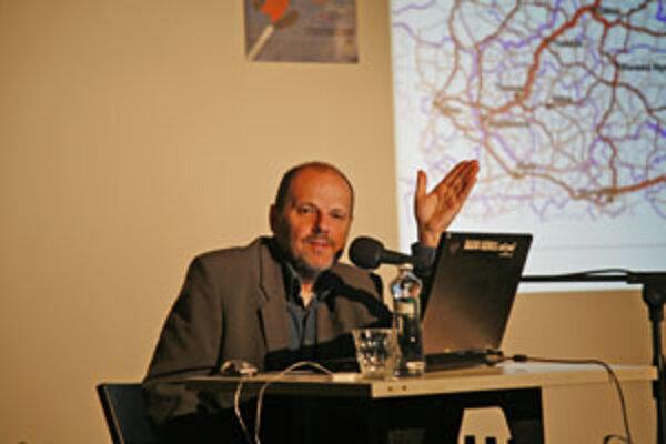 Prednášal vrámci Týždňa mobility vNadácii 21. storočia.