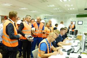 Kontrolu dostavby elektrárne v Mochovciach zakončil premiér vo velíne 3. bloku.