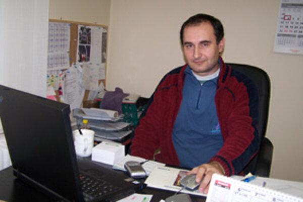 Pavel Nemeček tvrdí, že zníženie platieb na sanitku o 20-tisíc korún mesačne by sa pacienta dotknúť nemalo.