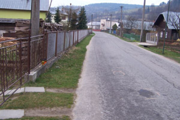 Na tomto mieste v Petroviciach zrazil šofér pod vplyvom alkoholu Štefana Š. a z miesta činu ušiel.