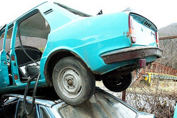 Zbieraním autovrakov chce mesto prispieť k uvoľneniu parkovacích miest a k zdravšiemu a krajšiemu životnému prostrediu.
